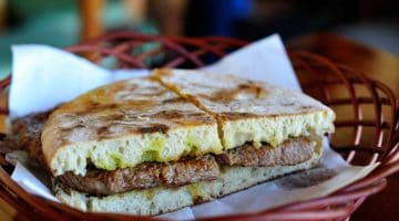 O que comer (e beber) na ilha da Madeira