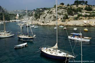 Vista de Cassis, na costa mediterrânica da Provença