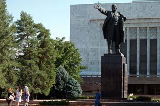 Estátua de Lenine em Bishkek, capital do Quirguistão