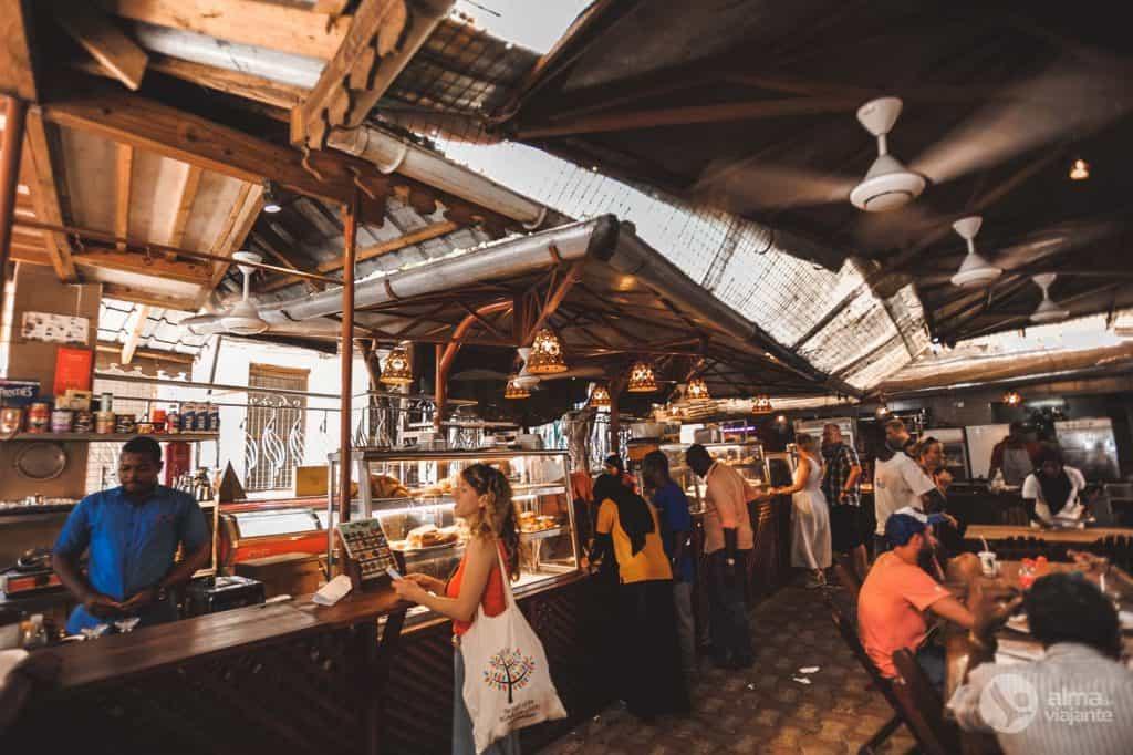 O que fazer em Stone Town: comer no Lukmaan