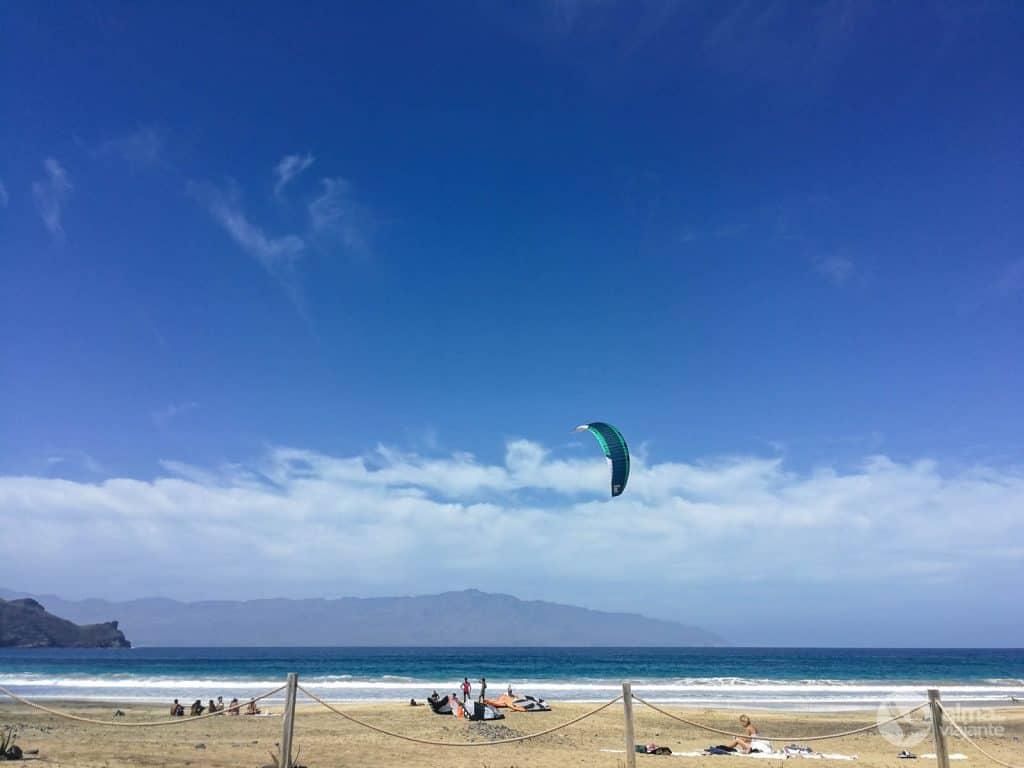 Kite surf em Salamansa, São Vicente