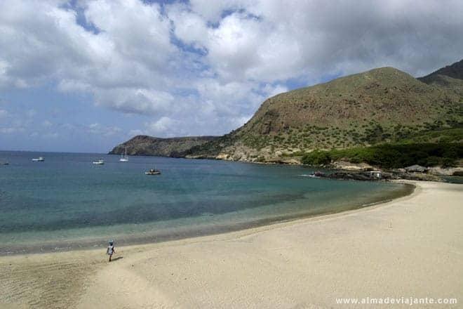 Vista da praia do Tarrafal, extremo Norte da ilha de Santiago