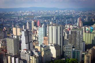 Vista aérea para a cidade desde o Terraço Itália, no centro de São Paulo