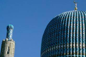 Mesquita em São Petersburgo construída ao estilo de Samarcanda