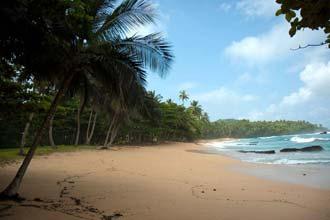 Praia Jalé, em São Tomé