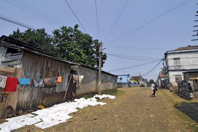 Rua principal da roça Água Izé