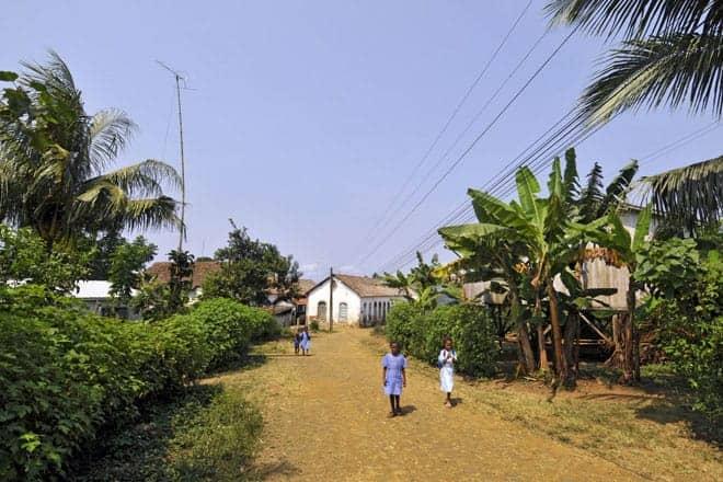 Börn koma aftur úr skólanum, São Tomé