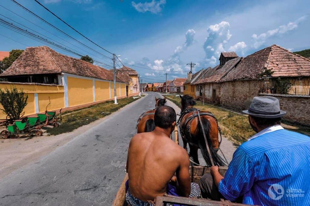 Viajar de carroça na Roménia