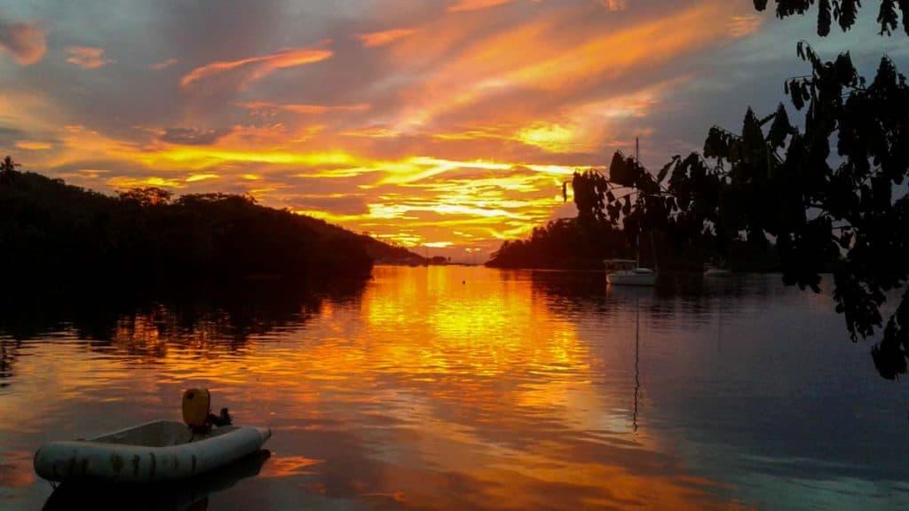 Pôr-do-sol em Savusavu, Vanua Levu
