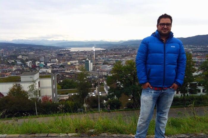 Sérgio em Weid, com Zurique ao fundo