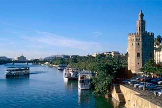 Rio Guadalquivir e Torre del Oro, Sevilha