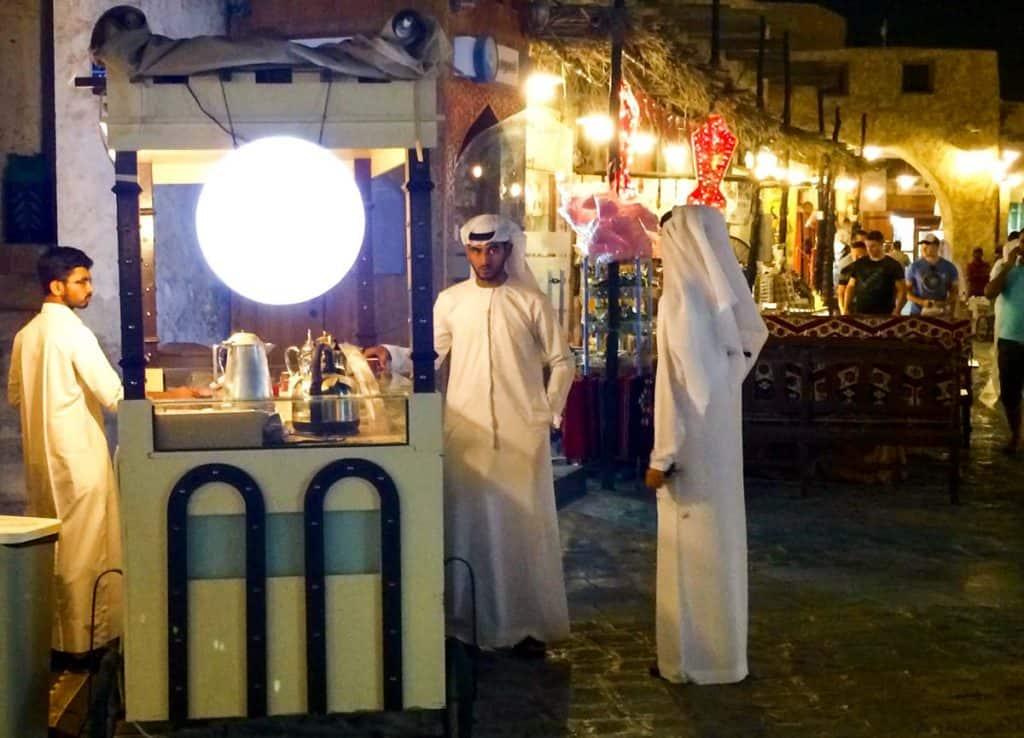 Viver em Doha: comer no Souq Waqif