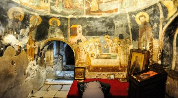 O mosteiro bizantino de St. Naun, nas margens do lago Ohrid