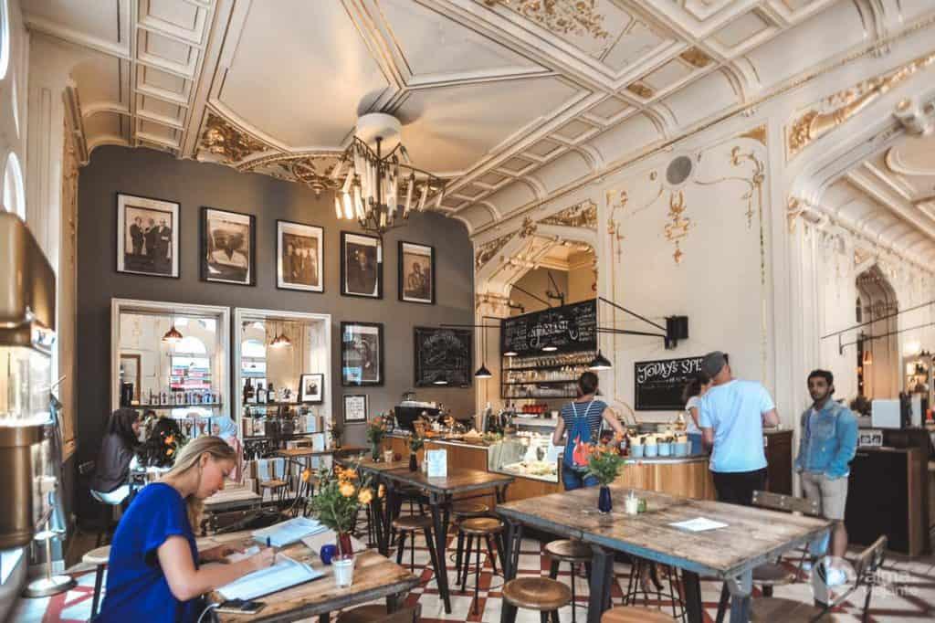 Café em Viena: Supersense