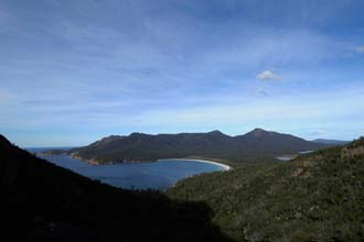 Vista da Wineglass Bay, no Parque Natural Freycinet