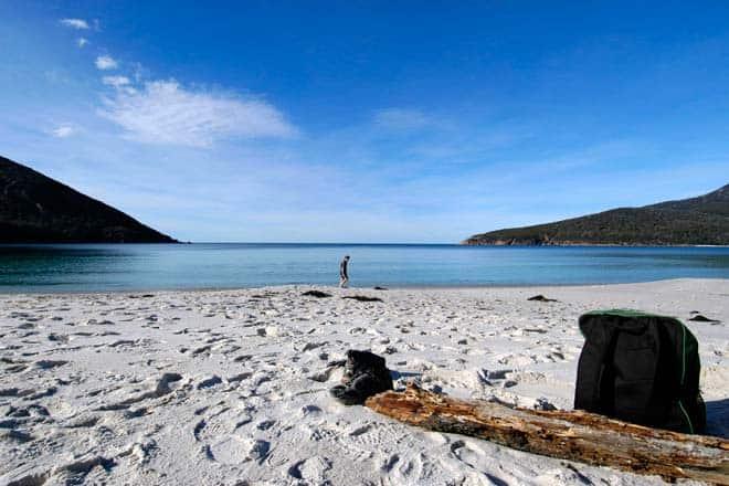 Praia na baía Wineglass, Tasmânia
