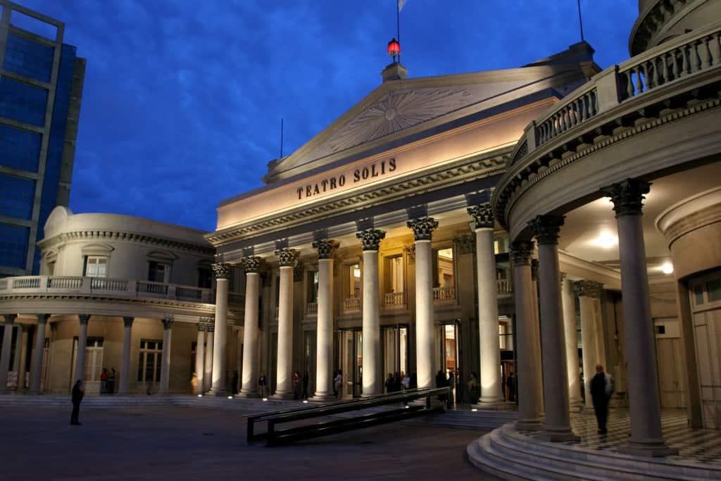 O que fazer em montevideu: visitar Teatro Solis