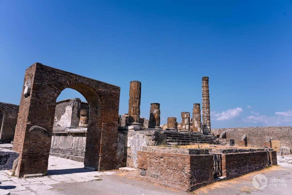 Guia de Pompeia: Templo de Jupiter