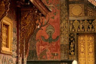 Pormenor de um templo budista em Luang Prabang