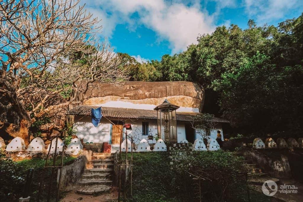 Visitar Pidurangala: templo budista