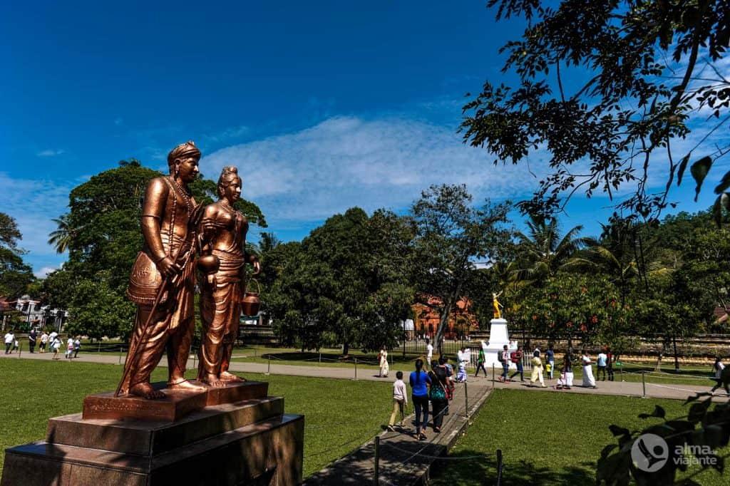 Templo do Dente Sagrado, Kandy