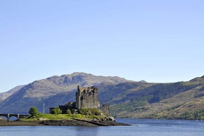 Vista do imponente castelo de Eilean Donan