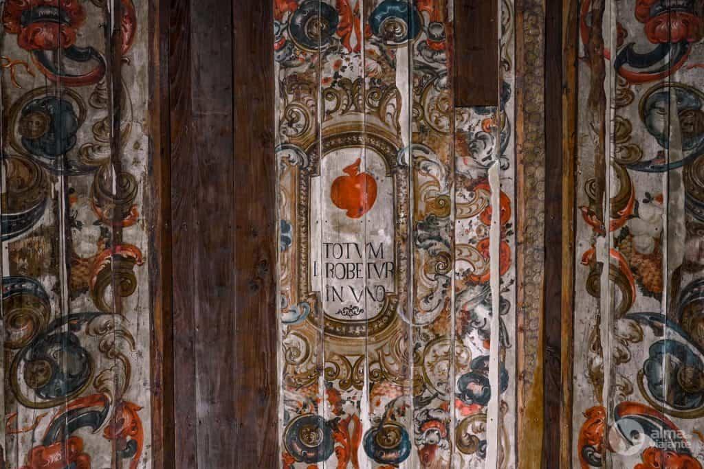 Tetos de madeira do Mosteiro de Coz