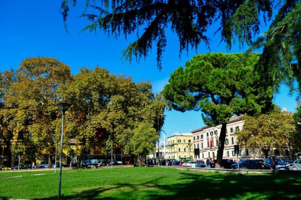 Parque Rinia, Tirana