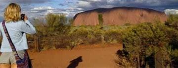 Quando um Arco-íris Abraça Uluru (VM #45)