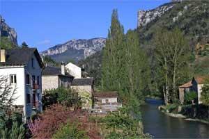 Vista de Le Rozier, França