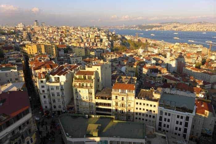 A zona de Beyoglu vista da torre Galata, Istambul