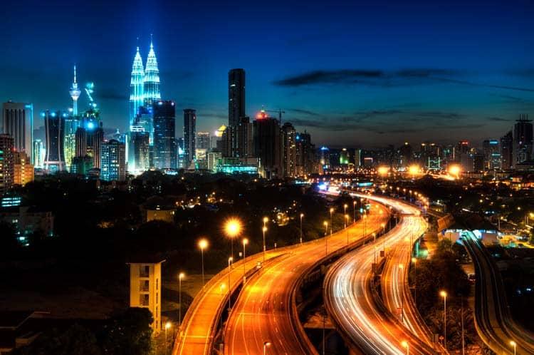 Noite em Kuala Lumpur, capital da Malásia