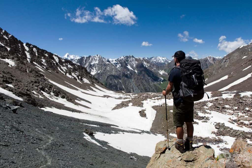 Trekking nas montanhas Tien Shan