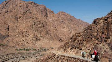 Trekking nas proximidades do monte Sinai