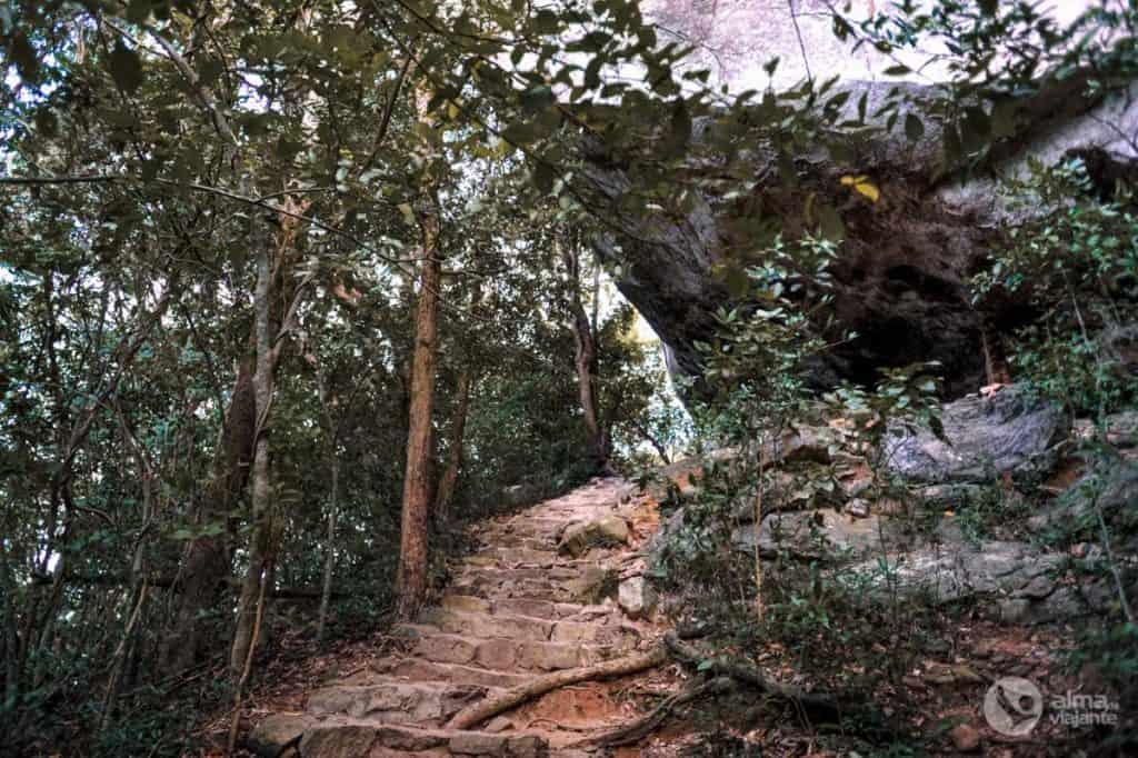 Trilho em Pidurangala, Sigiriya