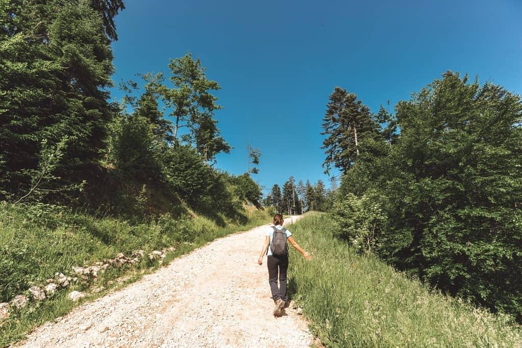Caminhada em Poiana Brasov, Roménia