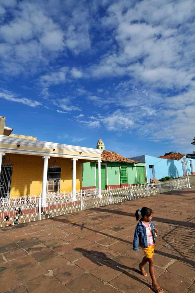 As cores quentes de Cuba espelhadas na praça central de Trinidad