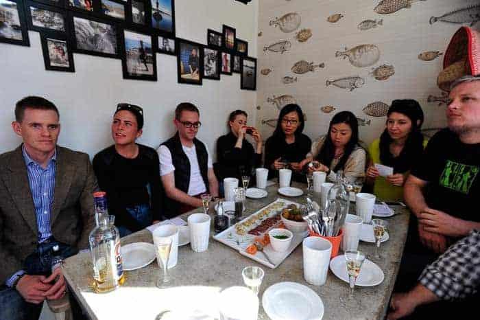 Turistas no restaurante Westermans Fisk