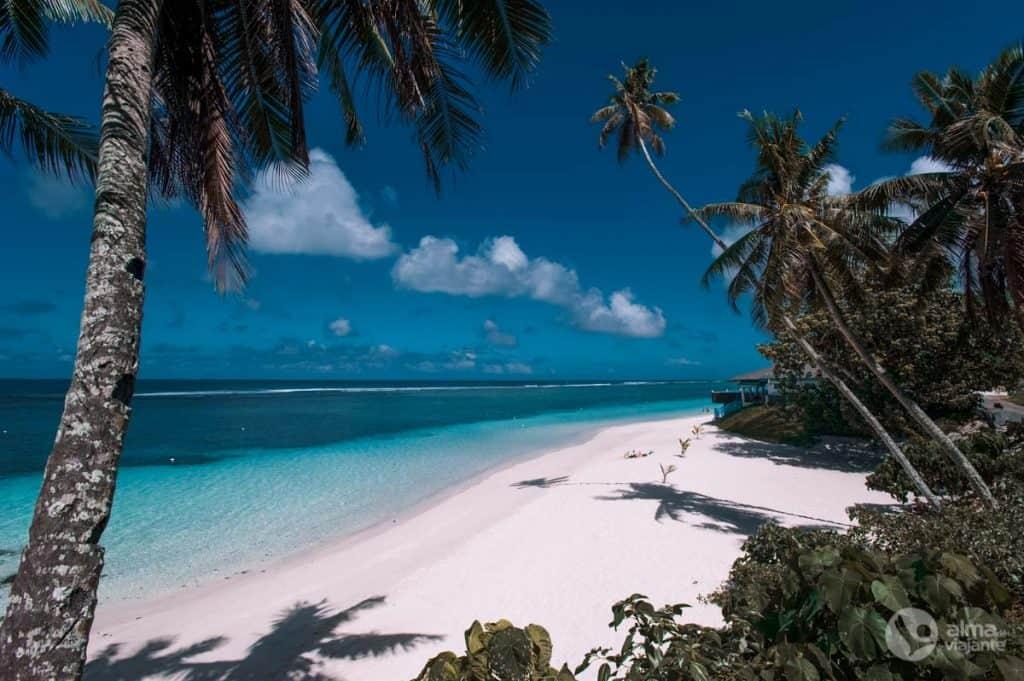 Praia no sul de Upolu, Samoa