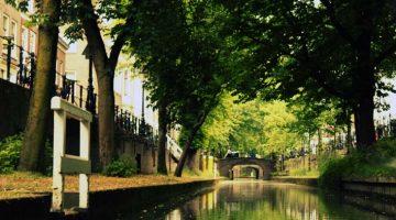 Býr í Utrecht
