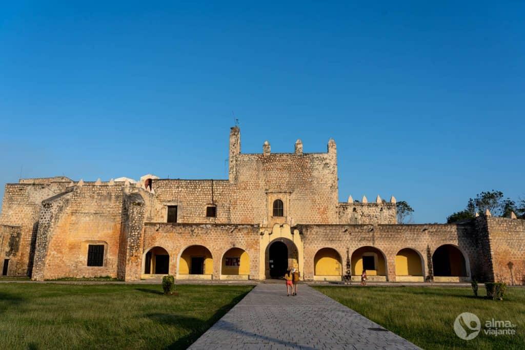 O que fazer em Valladolid, México: visitar Convento de San Bernardino de Siena