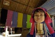 En langhalset Karen etnisk kvinne, Ban Nai Soi, Thailand