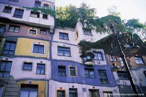 Casa desenhada pelo arquitecto F. Hundertwasser Hundertwasserhaus, Viena