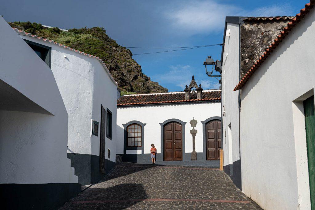 Casa do Espírito Santo, Vila do Corvo