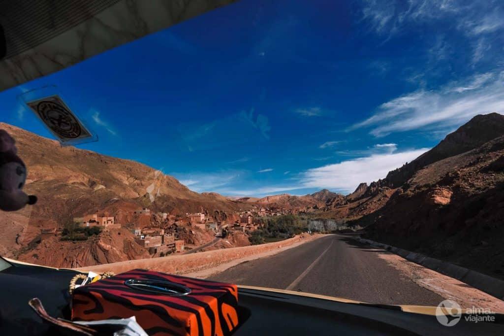 Viaggiando in auto nella valle del Dades
