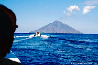 Cone do vulcão Stromboli, ilhas Eólicas, Itália