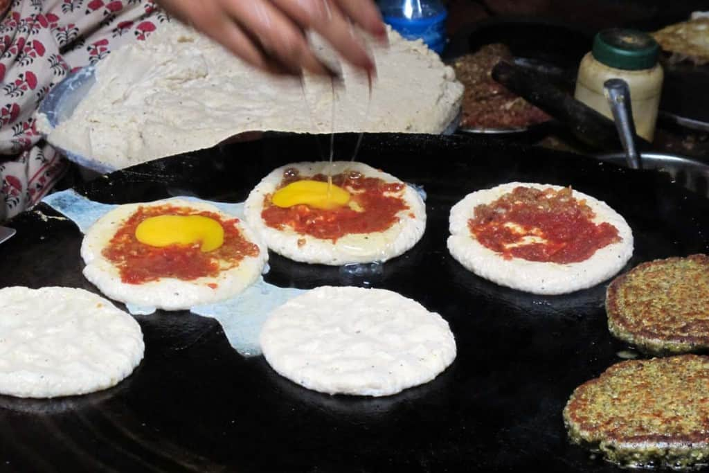 Við, Nepalese pizza